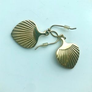 Gold Shell Drop Earrings (think Lilly Pulitzer)
